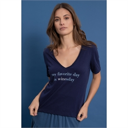 Camiseta My Favorite day is winesday Marinho J.CHERMANN