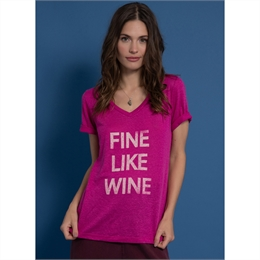 Camiseta Fine Like Wine Pink